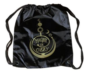 Zaino nero con logo color oro